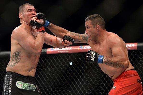 2015 la nam dien ro nhat lich su UFC hinh anh 3
