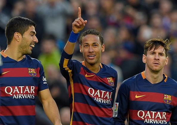UEFA gat sao Barca khoi doi hinh hay nhat vong bang Cup C1 hinh anh