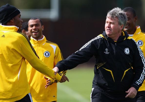 Cau thu tu do thi dau duoi thoi Guus Hiddink hinh anh 3