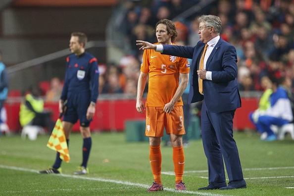 Cau thu tu do thi dau duoi thoi Guus Hiddink hinh anh 2
