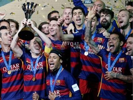 Barca khep lai nam 2015 bang danh hieu thu 5 hinh anh