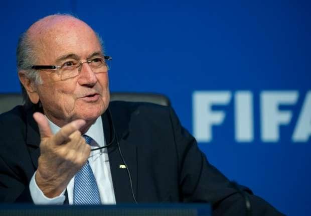 Sepp Blatter duoc xoa toi tham nhung hinh anh