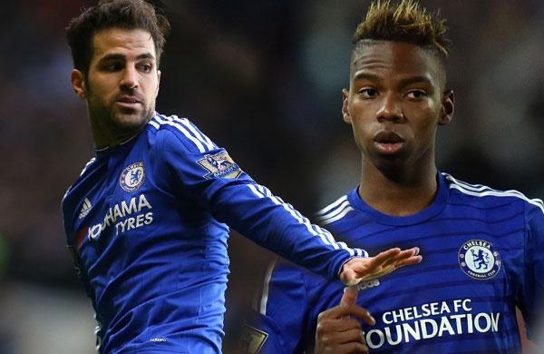 Diem tin 23/12: Fabregas cai nhau voi cau thu tre Chelsea hinh anh 1