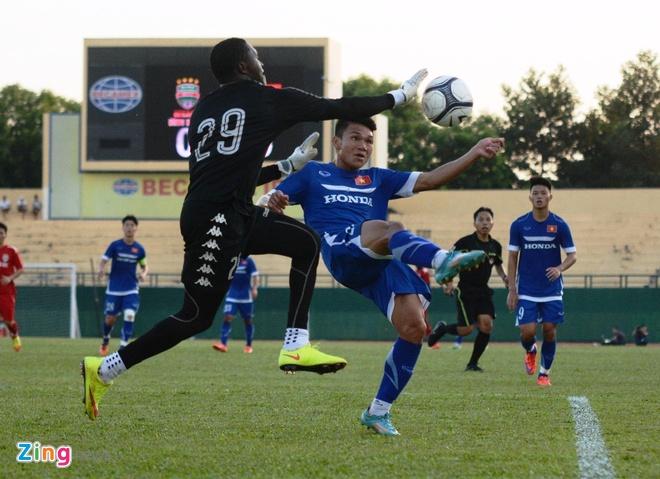 Cong Vinh ghi ban giup Binh Duong cam hoa U23 Viet Nam hinh anh 19