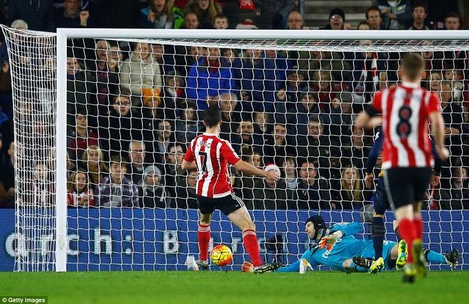 Thua Southampton 0-4, Arsenal lo co hoi len ngoi dau hinh anh 3