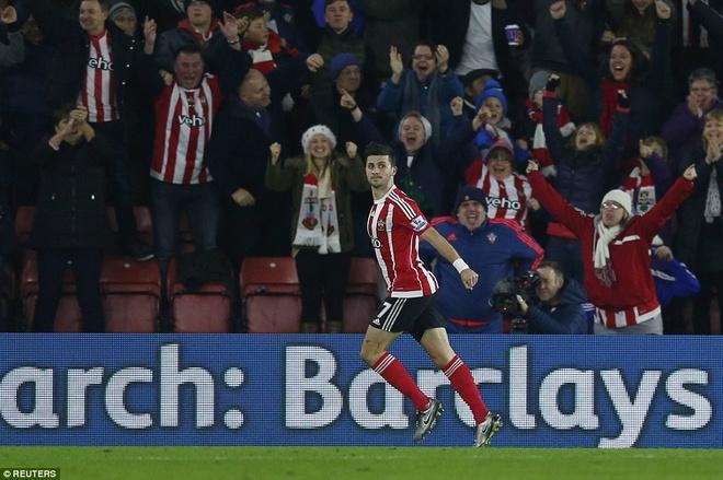 Thua Southampton 0-4, Arsenal lo co hoi len ngoi dau hinh anh 5
