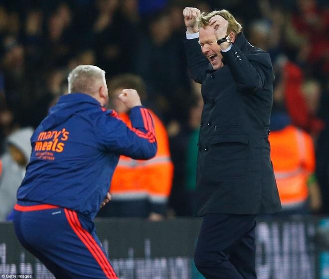Thua Southampton 0-4, Arsenal lo co hoi len ngoi dau hinh anh 7