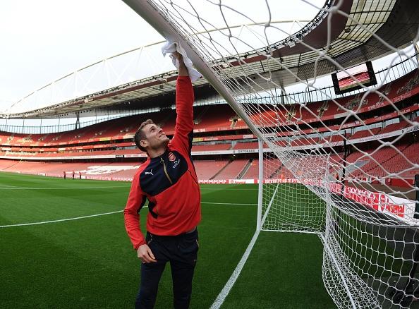 Arsenal 2-0 Bournemouth: Oezil giup Phao thu len ngoi dau hinh anh 4
