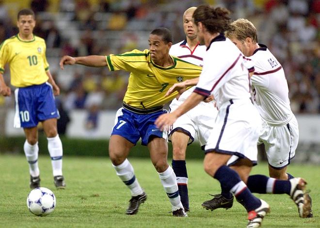 Ronaldinho - so 10 hay nhat Brazil ke tu thoi Pele? hinh anh 2