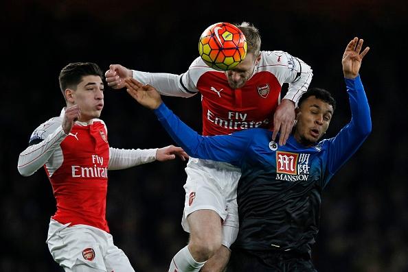 Arsenal 2-0 Bournemouth: Oezil giup Phao thu len ngoi dau hinh anh 8