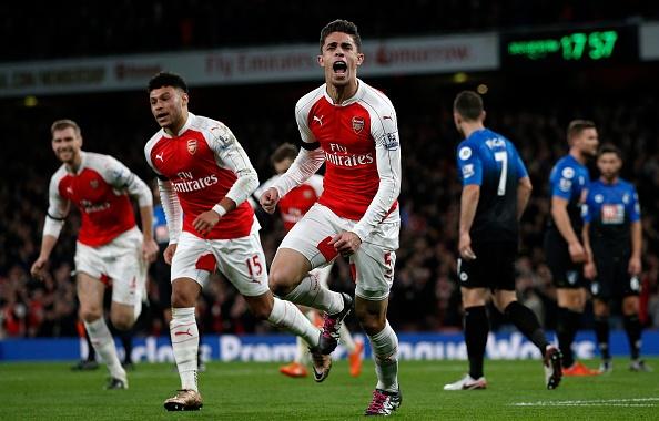 Arsenal 2-0 Bournemouth: Oezil giup Phao thu len ngoi dau hinh anh 12