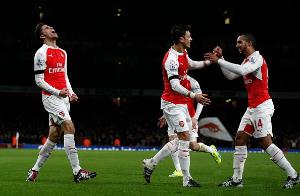 Arsenal 2-0 Bournemouth: Oezil giup Phao thu len ngoi dau hinh anh 13