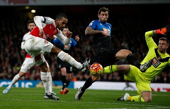Arsenal 2-0 Bournemouth: Oezil giup Phao thu len ngoi dau hinh anh 15