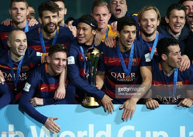 Nhin lai nam 2015 dai thanh cong cua Barcelona hinh anh