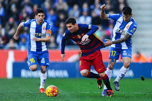 Espanyol cam hoa Barca 0-0 trong tran dau nam moi hinh anh