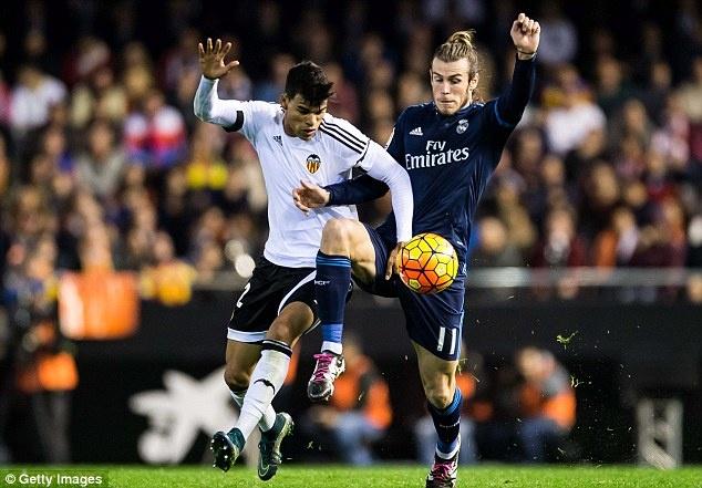 Tong hop tran dau: Valencia 2-2 Real Madrid hinh anh