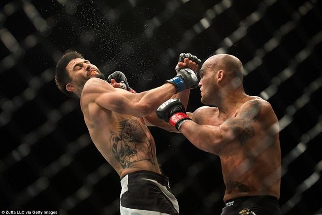 Robbie Lawler bao ve dai vo dich UFC 195 kich tinh hinh anh