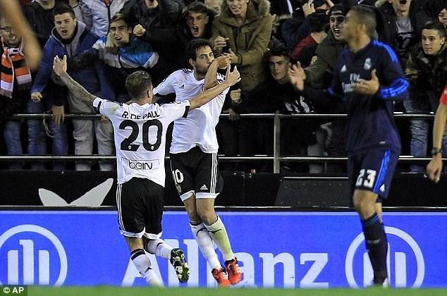 Ronaldo tit ngoi, Real hoa 2-2 voi Valencia hinh anh 4