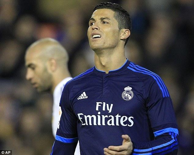Ronaldo tit ngoi, Real hoa 2-2 voi Valencia hinh anh 1