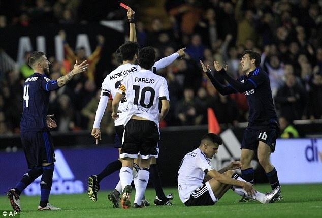 Ronaldo tit ngoi, Real hoa 2-2 voi Valencia hinh anh 5
