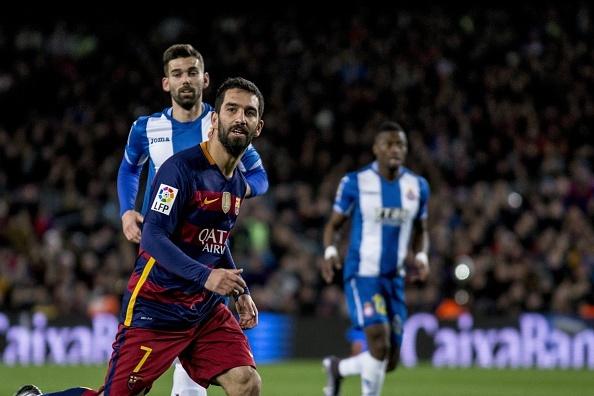 Messi lap hat-trick, Barca lay lai ngoi dau hinh anh 6
