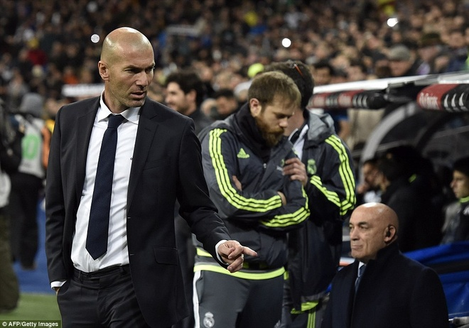 Real Madrid dai thang 5-0 trong ngay ra mat tan HLV Zidane hinh anh
