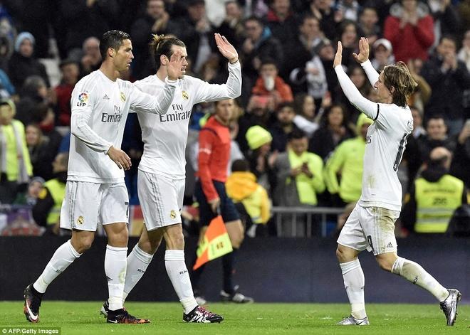 Real Madrid dai thang 5-0 trong ngay ra mat tan HLV Zidane hinh anh 12