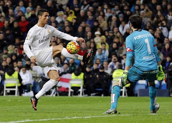 Real Madrid dai thang 5-0 trong ngay ra mat tan HLV Zidane hinh anh 10