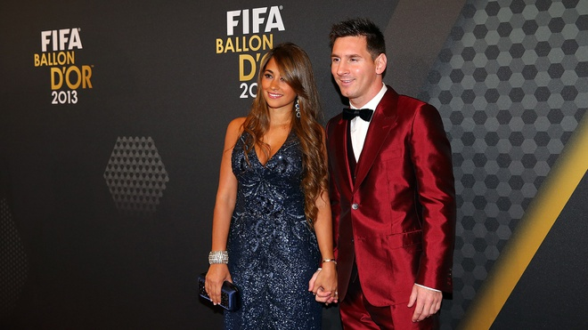 Nhung trang phuc gay chu y cua Messi tai le trao giai QBV hinh anh 3
