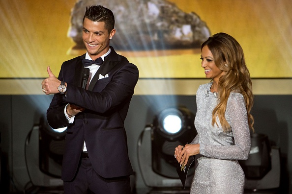 Ronaldo hao hung tham du su kien trao Qua bong vang hinh anh 8