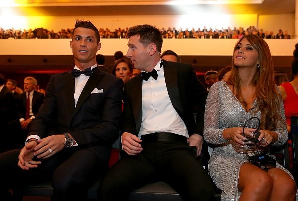 Ronaldo hao hung tham du su kien trao Qua bong vang hinh anh 6