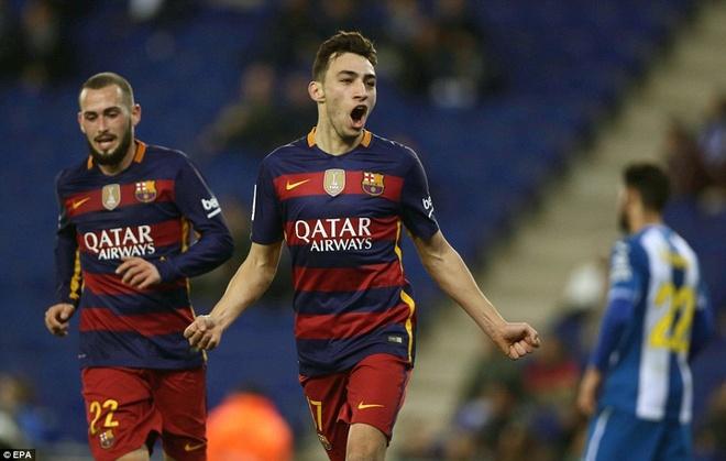Fan Espanyol dung Shakira de choc tuc Pique hinh anh 4