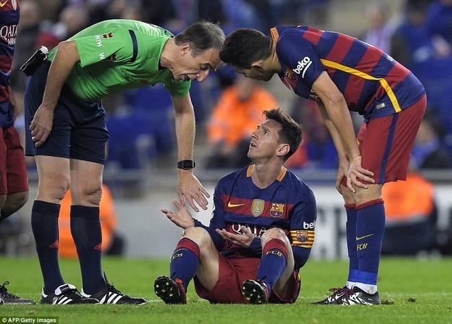 Fan Espanyol dung Shakira de choc tuc Pique hinh anh 8