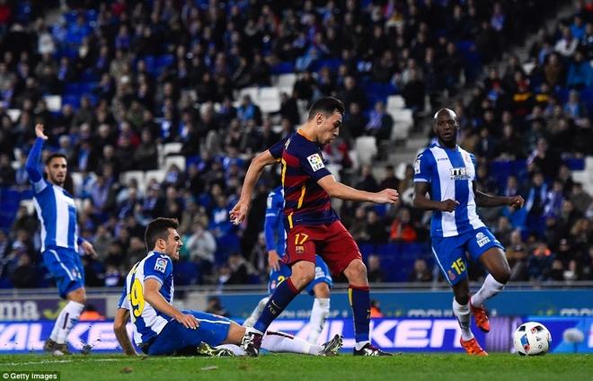 Fan Espanyol dung Shakira de choc tuc Pique hinh anh 3