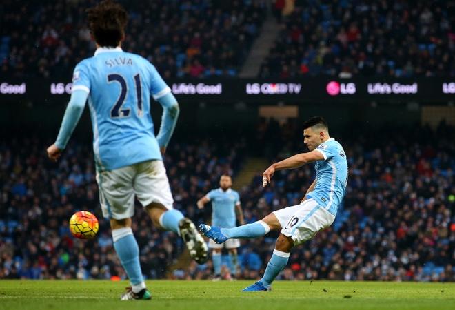 Aguero lap cu dup giup Man City ha Crystal Palace 4-0 hinh anh 15