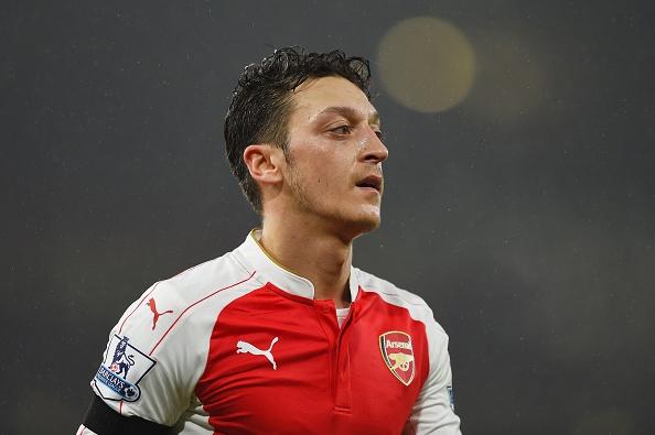 Arsenal tro nen tam thuong khi thieu Mesut Oezil hinh anh