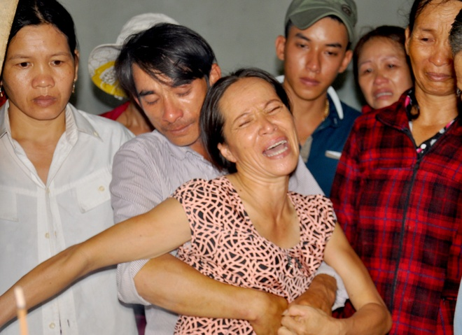 Con khoc khan giong don thi the me tu Binh Thuan hinh anh 5