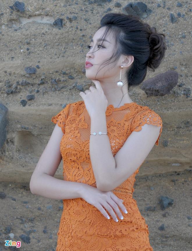 Hoa hau Do My Linh dong canh tinh tu voi Duc Tuan o Ly Son hinh anh 9
