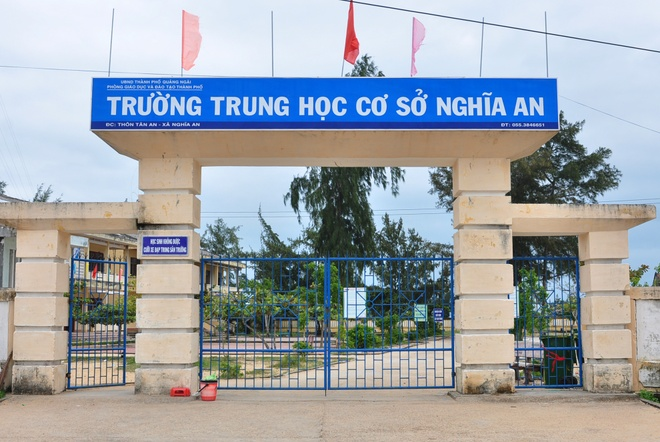 Hoc sinh nghi hoc anh 1
