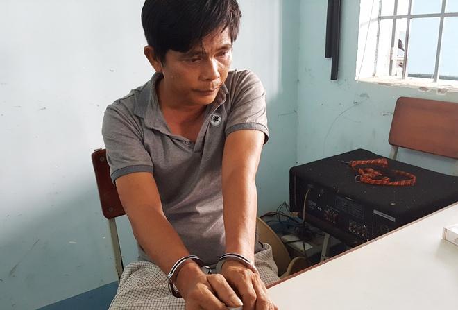Trinh sat nhap vai lan theo dau vet ke chu muu trom 100 luong vang hinh anh 1