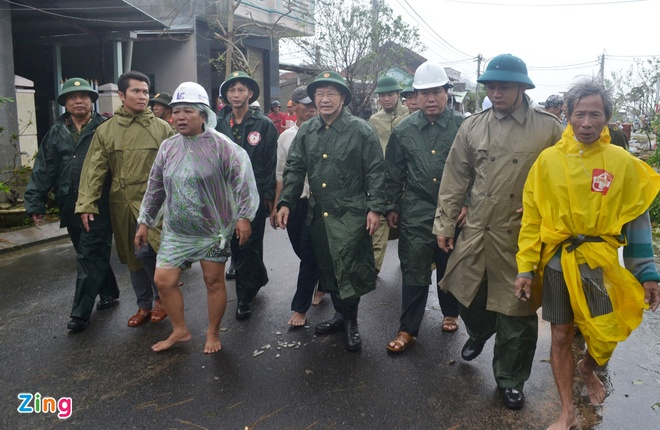 So tan hon 12.500 nguoi dan Phu Yen ra khoi vung nguy hiem tranh lu hinh anh 2