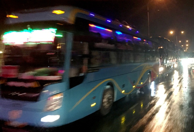 Ket xe keo dai hon 6 km tren quoc lo o Quang Nam hinh anh