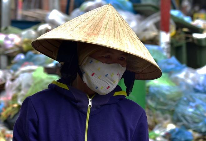 Dan Quang Ngai tiep tuc chan xe, hang tan rac un u gay o nhiem hinh anh