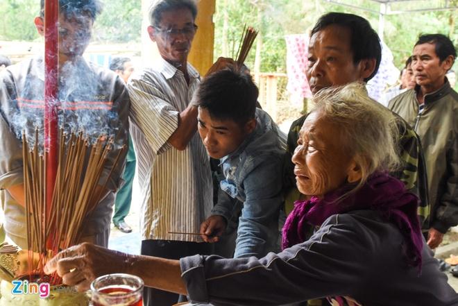 Cả làng tiếc thương anh dân quân cứu người đến kiệt sức ở Quảng Nam