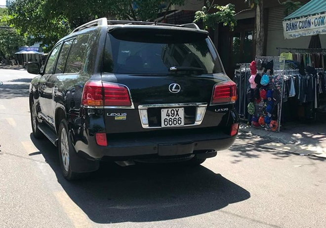 Vi sao chua thong tin nong do con tai xe Lexus bien 6666? hinh anh 2