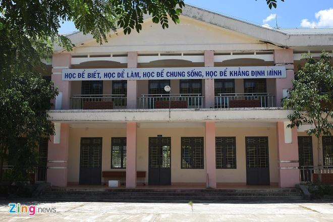 Ngoi truong 0 % Quang Ngai anh 2