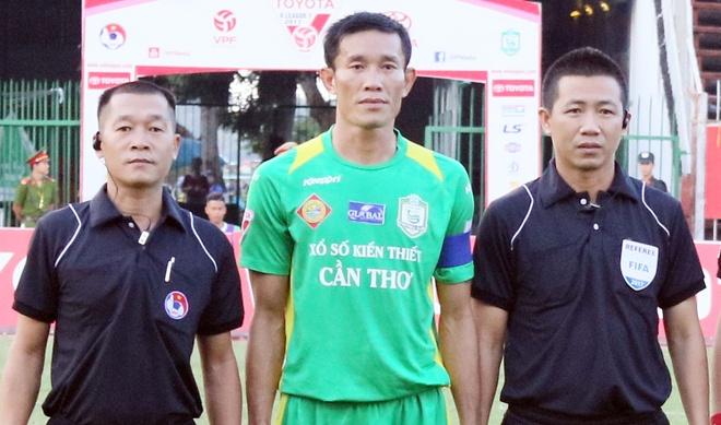 Chi Cong bi cam 3 tran vi da xau tuyen thu U20 Viet Nam hinh anh 1