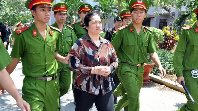 Bị cáo Lê Thị Hường đã bị tuyên án tử hình trong vụ án giết vợ chồng chủ nợ bất thành tại phiên tòa phúc thẩm được xét xử vào tháng 7-2014 - Ảnh: Đ.Hà