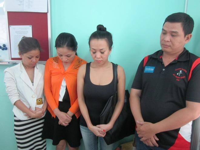 100 canh sat pha tu diem mai dam phuc vu khach Tay o Sai Gon hinh anh 2 4 chủ nhà hàng chuyên tuyển tiếp viên để bán dâm cho khách nước ngoài.