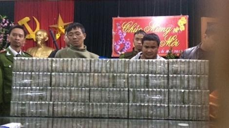 Bo truong Tran Dai Quang khen don vi bat 200 banh heroin hinh anh